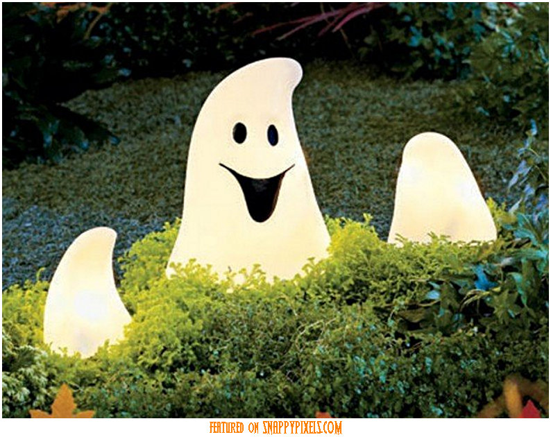 diy-scary-halloween-decorations-outside-22