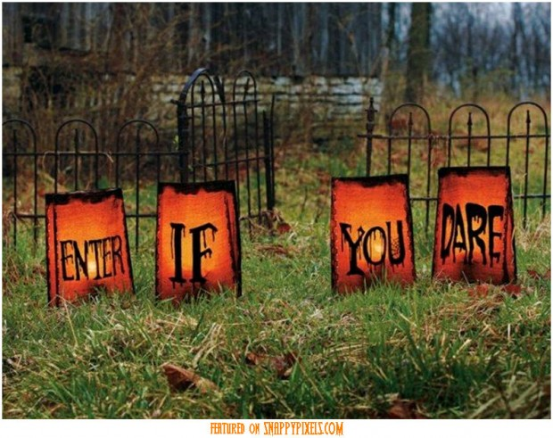 diy-scary-halloween-decorations-outside-30