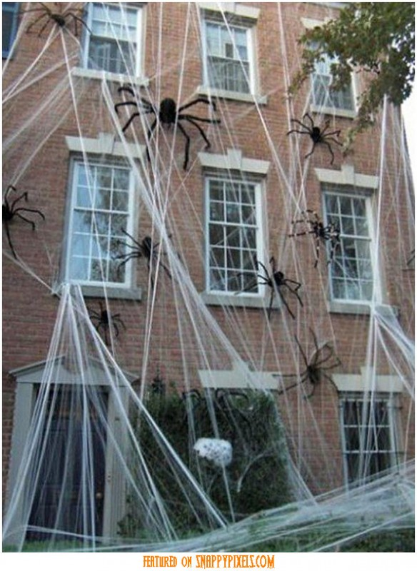 diy-scary-halloween-decorations-outside-5