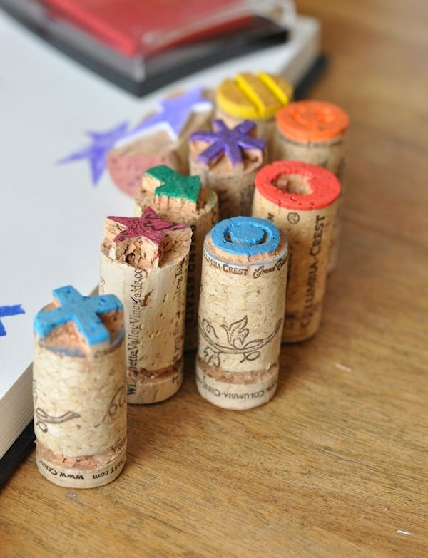 diy-wine-cork-art-projects-35