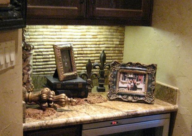 diy-wine-cork-art-projects-39
