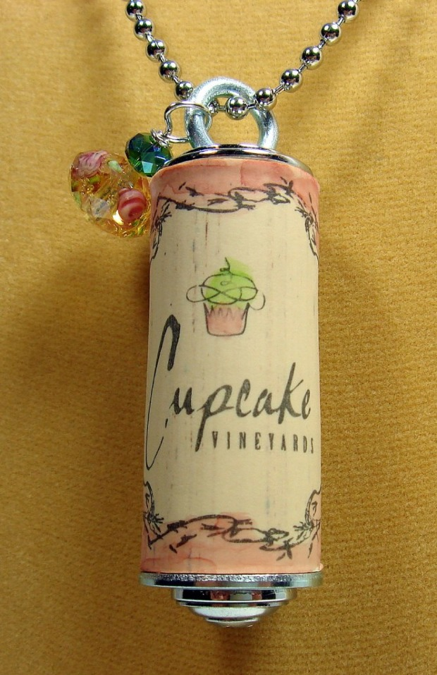 diy-wine-cork-art-projects-43
