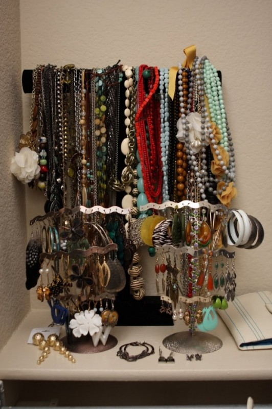 how-to-store-jewelry-pictures-1