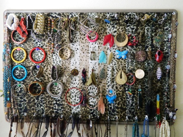 how-to-store-jewelry-pictures-29