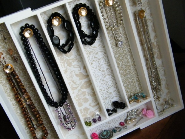 how-to-store-jewelry-pictures-32