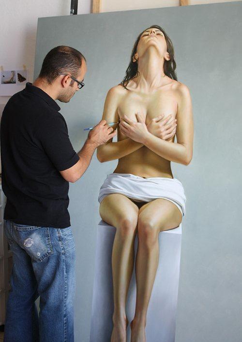 hyper-realistic-paintings-by-Omar-Ortiz-4