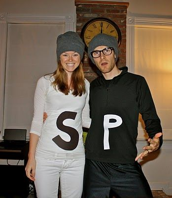 creative-halloween-costumes-made-for-couples-21