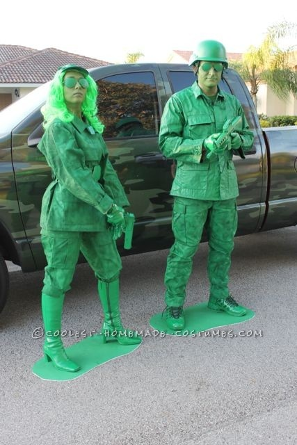 creative-halloween-costumes-made-for-couples-8