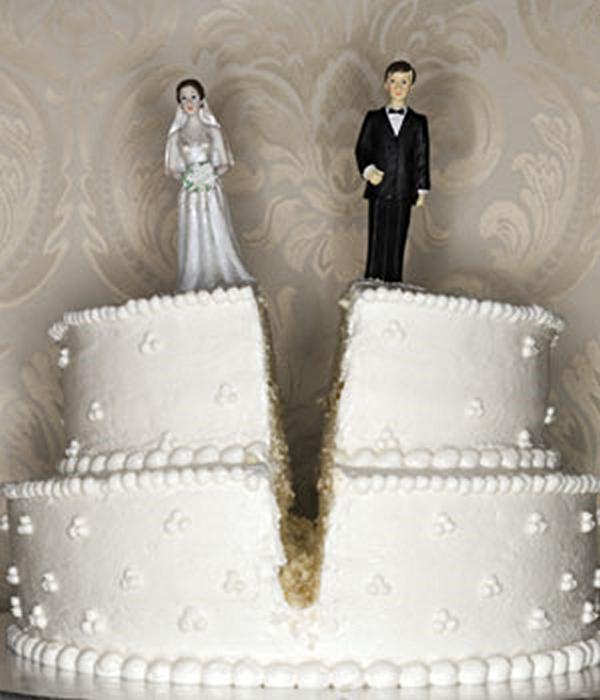 funny-cakes-celebrating-divorce-25