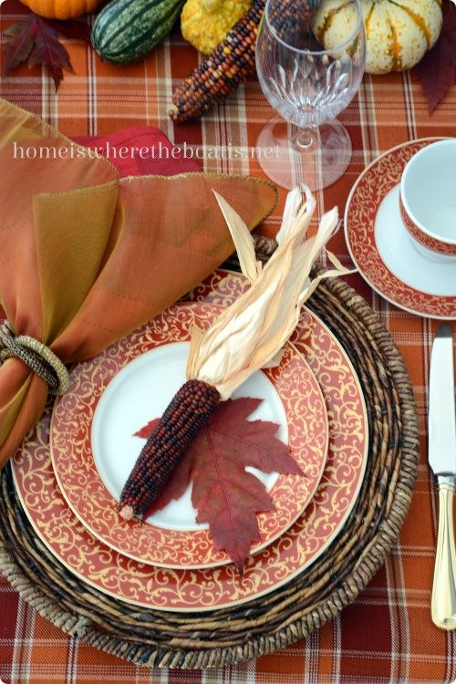 Fun & Festive Thanksgiving Place Settings