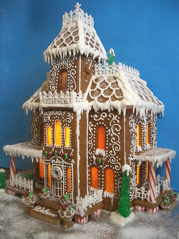 Simple-Inspiring  Gingerbread House Ideas-1