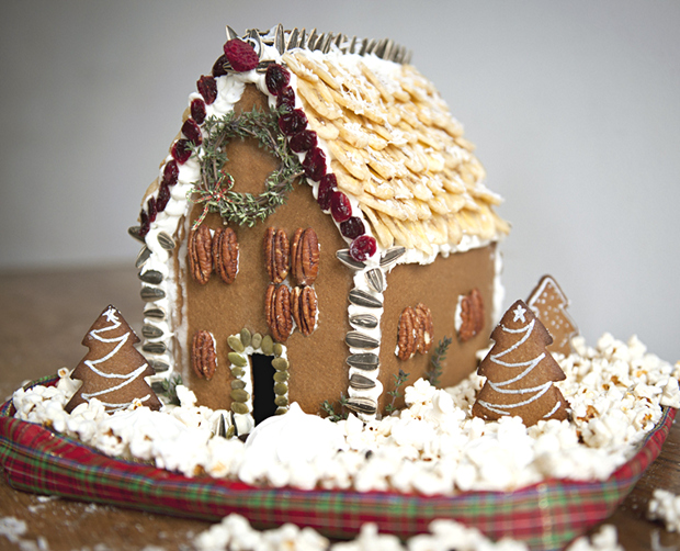 Simple-Inspiring  Gingerbread House Ideas-25