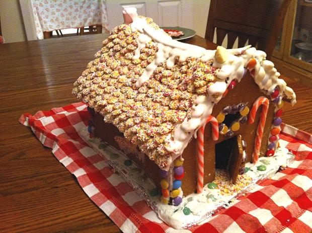 Simple-Inspiring  Gingerbread House Ideas-27