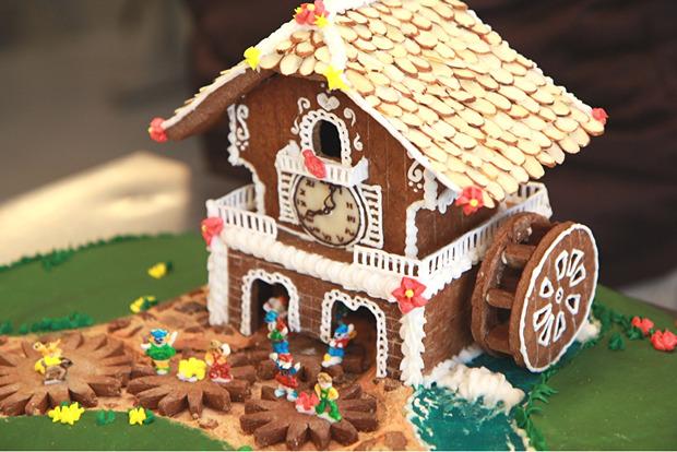 Simple-Inspiring  Gingerbread House Ideas-38