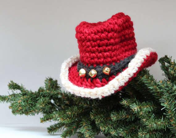 xnewborn-santa-cowboy-hat.jpeg.pagespeed.ic.sQ6NQIrqxR