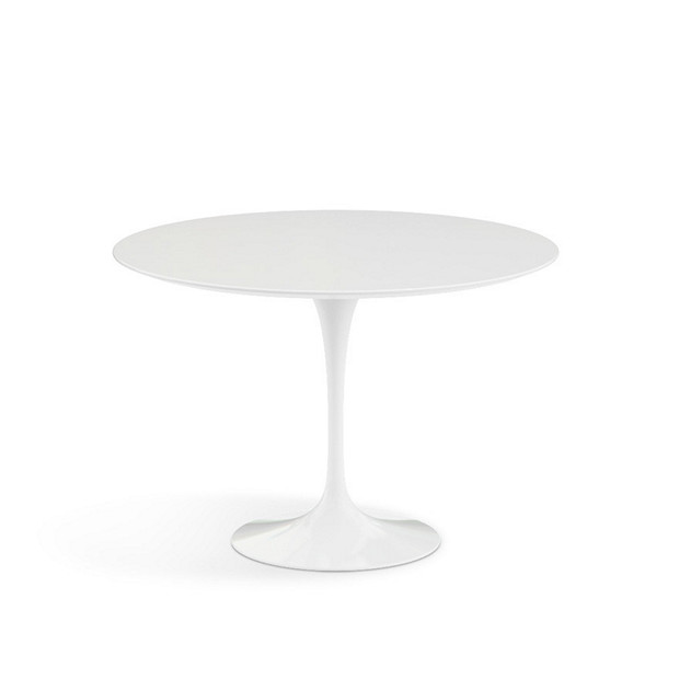 Knoll-®-Saarinen-42-Round-Dining-Table-futuristic