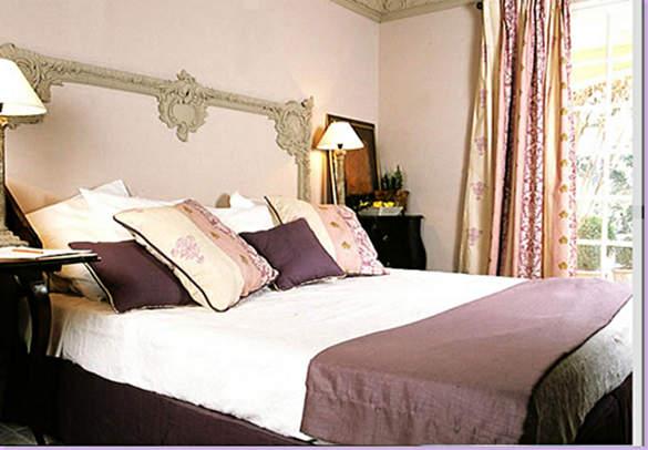 creative-diy-headboard-ideas-bedroom-27