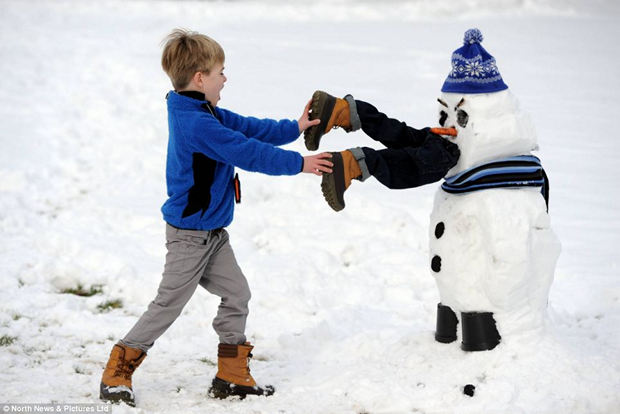 creative-funny-snowman-pictures-25