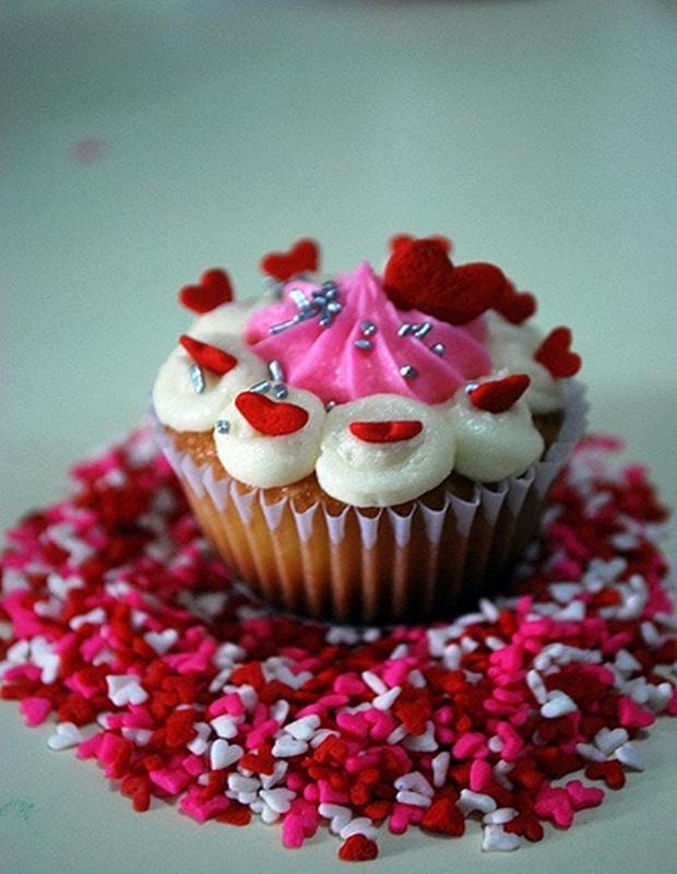 lovely-valentine-cupcakes-14