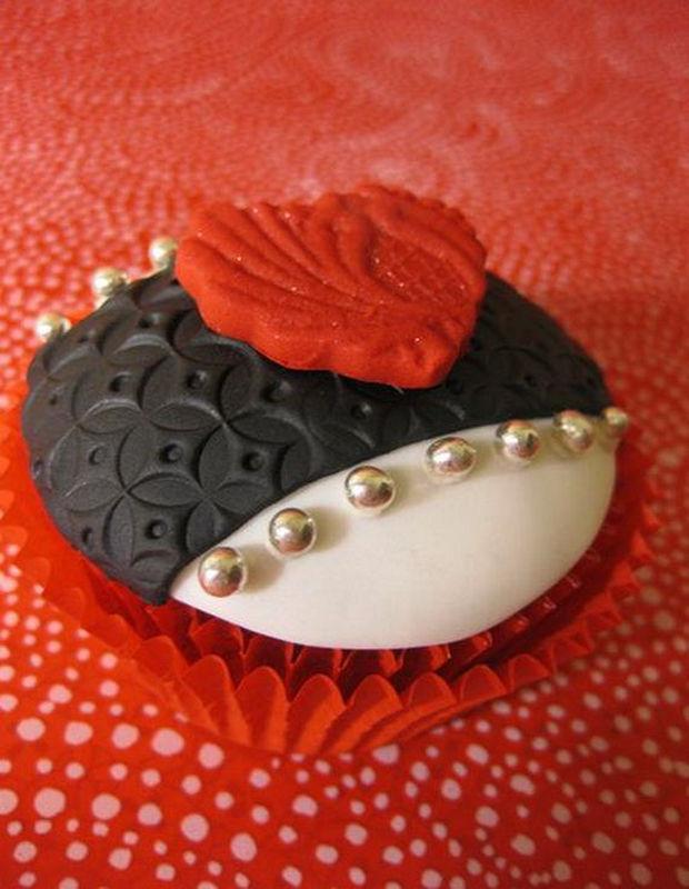 lovely-valentine-cupcakes-27
