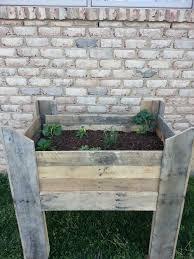 ideas pallets raised garden beds (21)