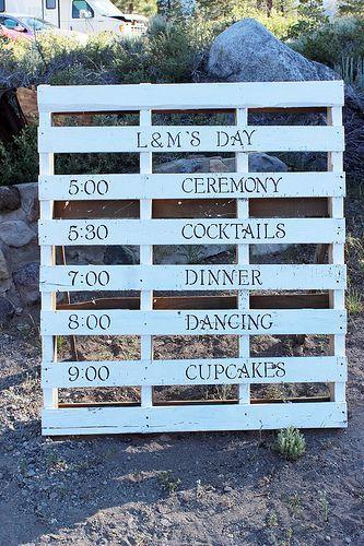 DIY Wedding using wood pallets
