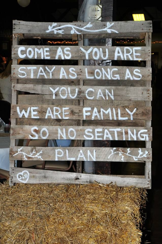 ~Rustic~Country~Wedding~Pallet~Paint~Family