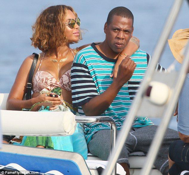 Beyonce + JayZ accidentally crash wedding on their Italian vacation