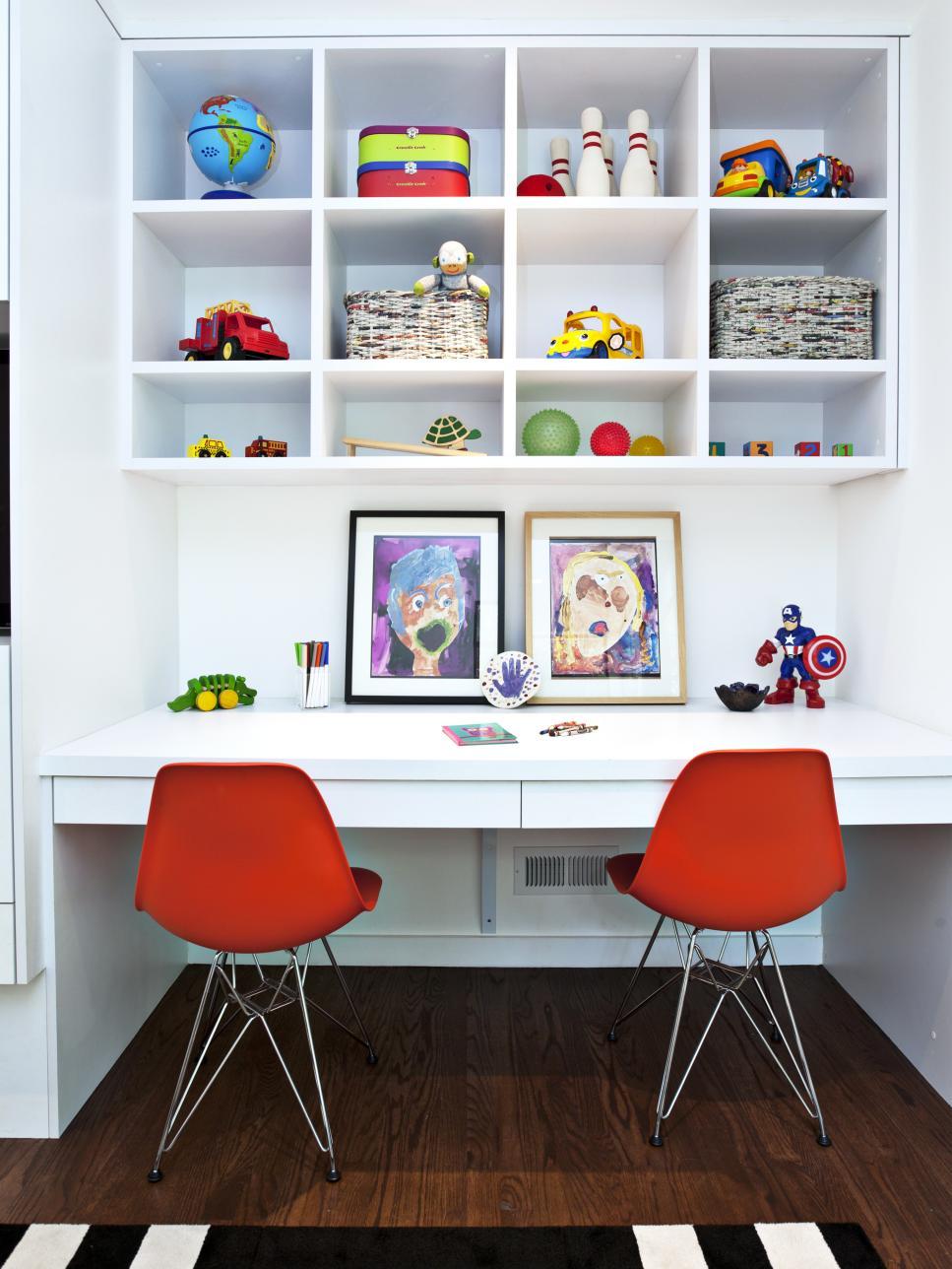 DP_Fiorella-Design-Contemporary-Kids-Room-Shelving_s3x4.jpg.rend.hgtvcom.966.1288