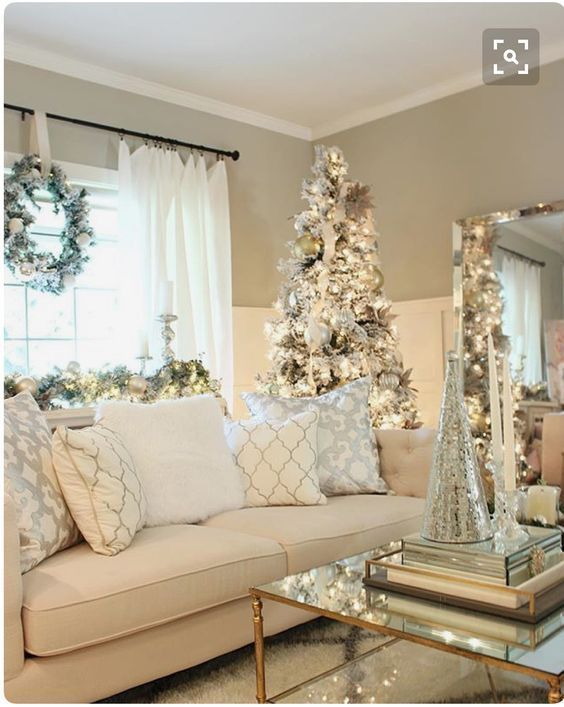Simple Fixes to Spruce Up Your Home for Christmas