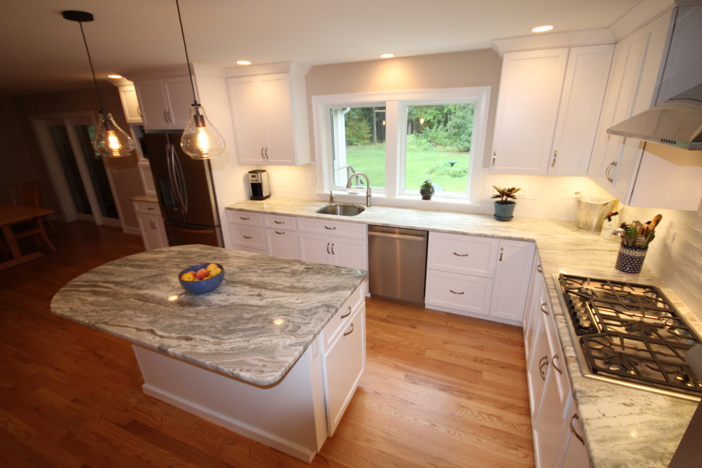 AFTER: A KITCHEN MADE FOR THOSE WHO LOVE TO COOK AND ENTERTAIN