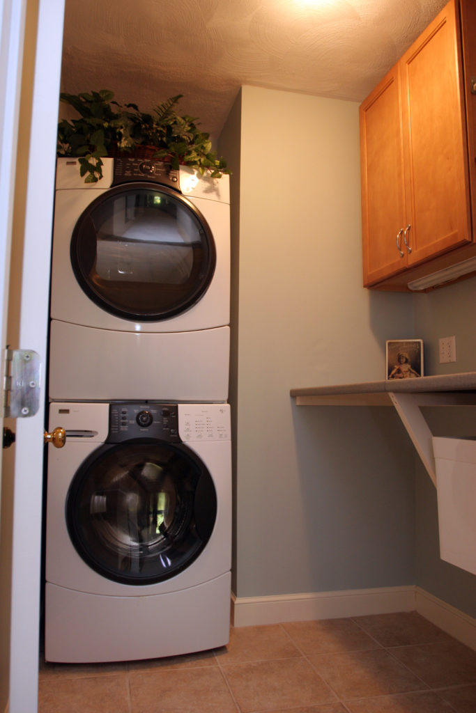 AFTER: A COMPACT LAUNDRY ROOM: FORM & FUNCTION