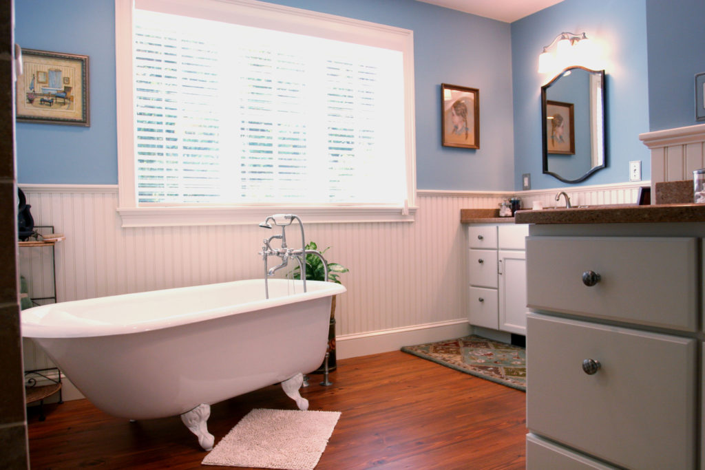 After Master bathroom clawfoot tub