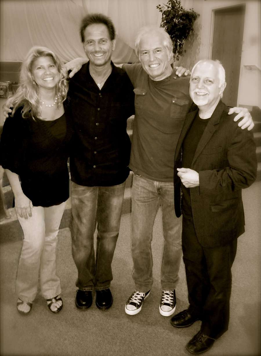 The Pintars with Paul Clark and Phil Keaggy (R)