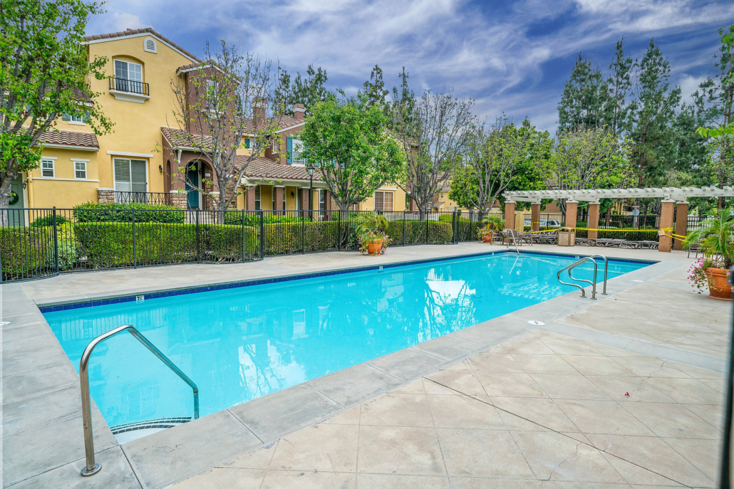 Swimming pool at Collage in Northwood Irvine
