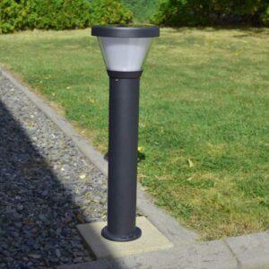 Free-light Gemini solar light in garden during day