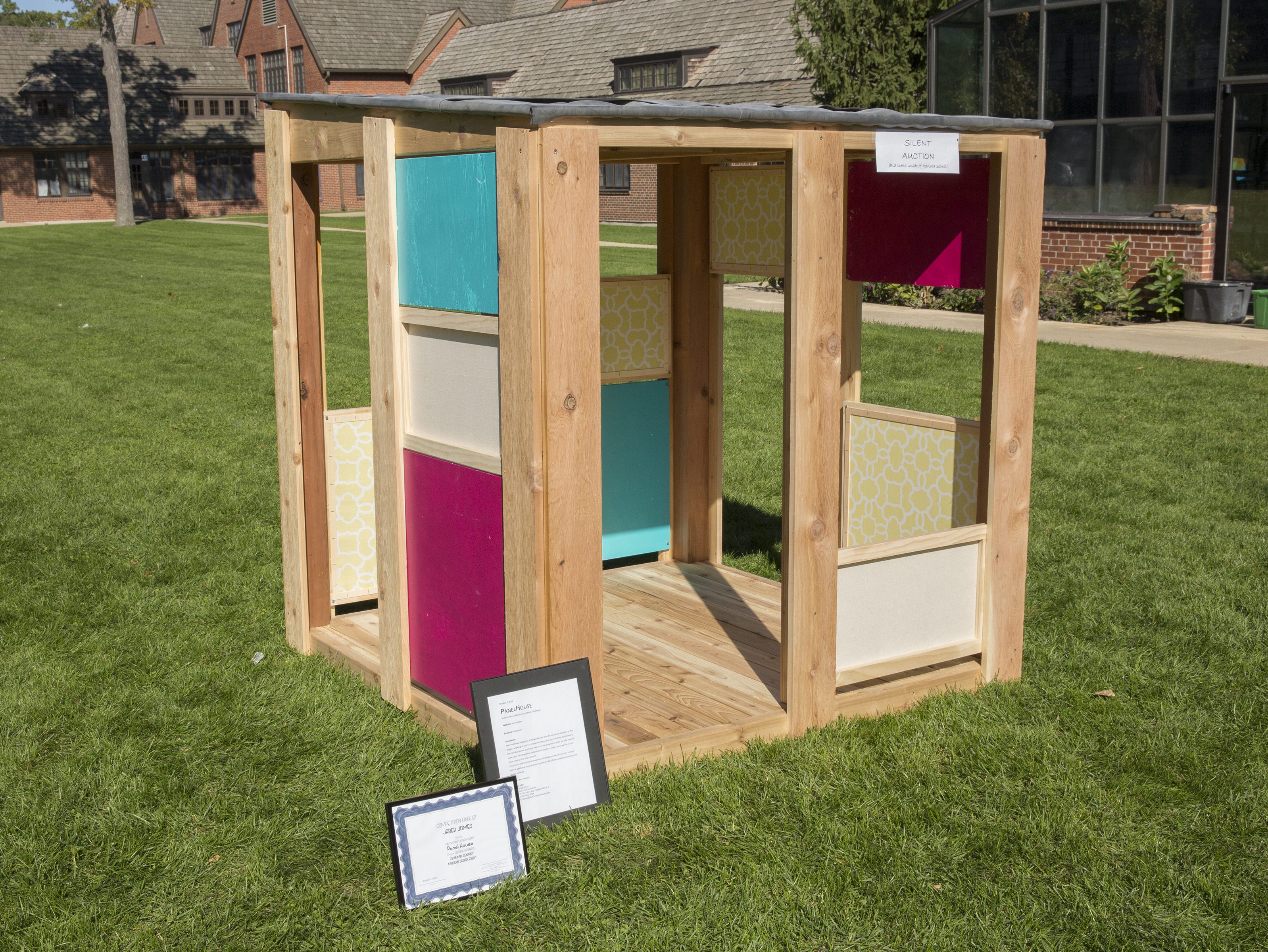 panel-house