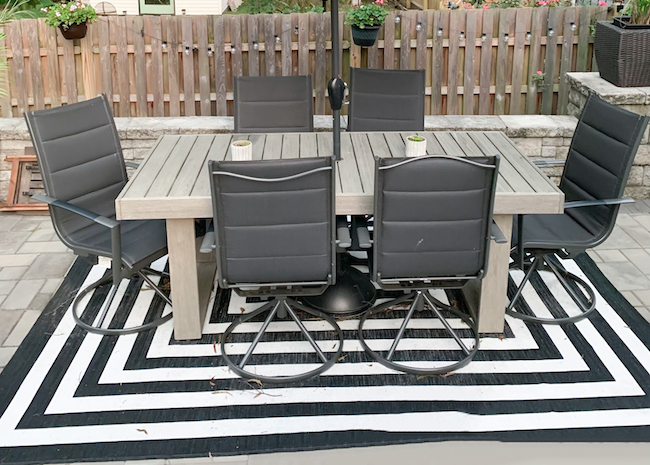 How to Clean an Outdoor Rug to Look Brand New