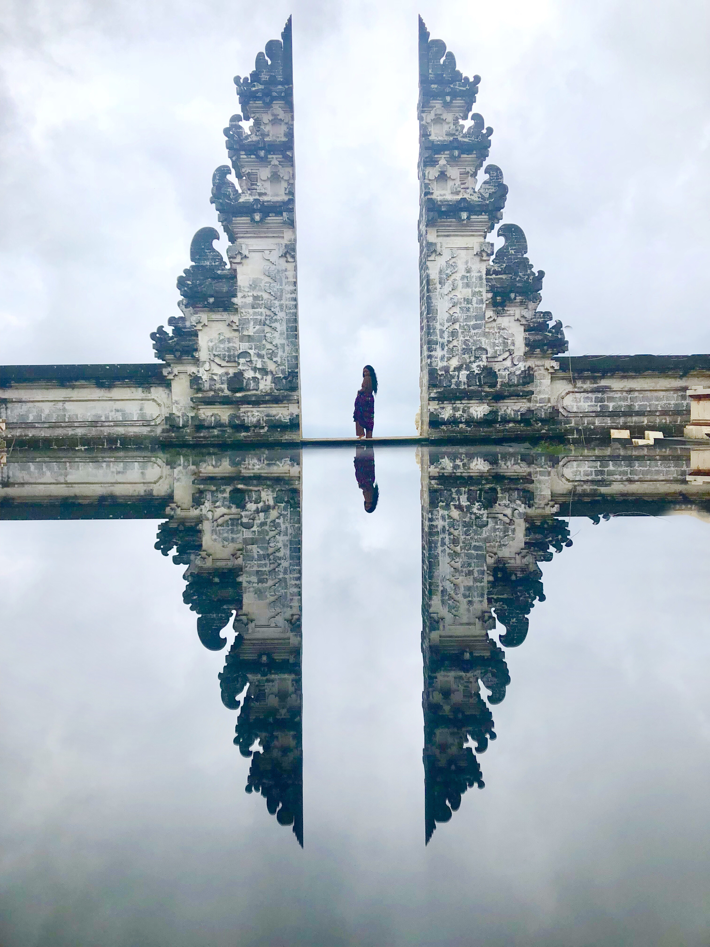 Visiting Lempuyang Temple aka Heaven's Gate in Bali. Everything to need to know as solo traveler.