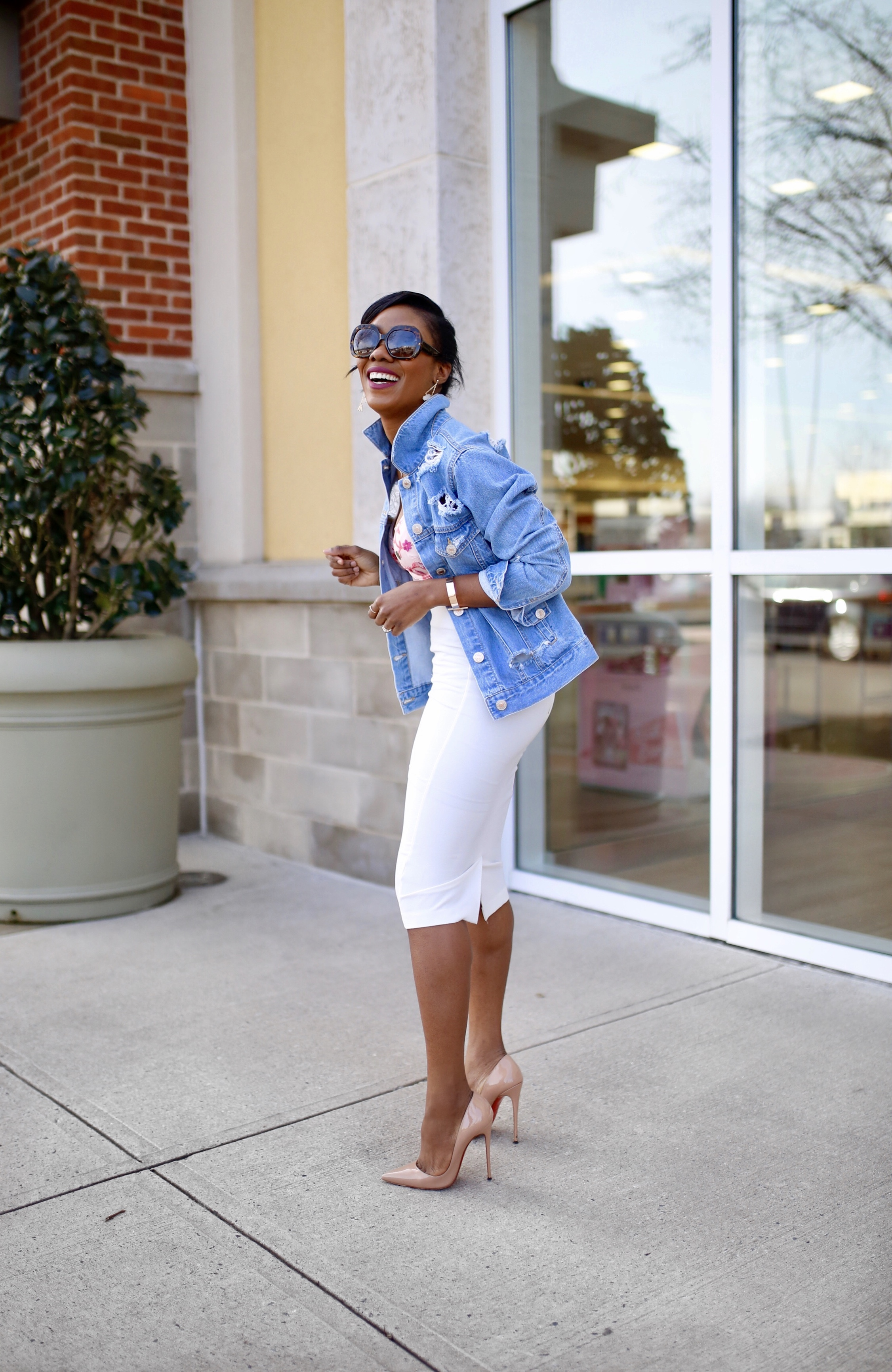 How to wear a denim jacket without looking frumpy! You'd love these three stylish ways. And guess what? You can recreate this style with pieces from your closet.