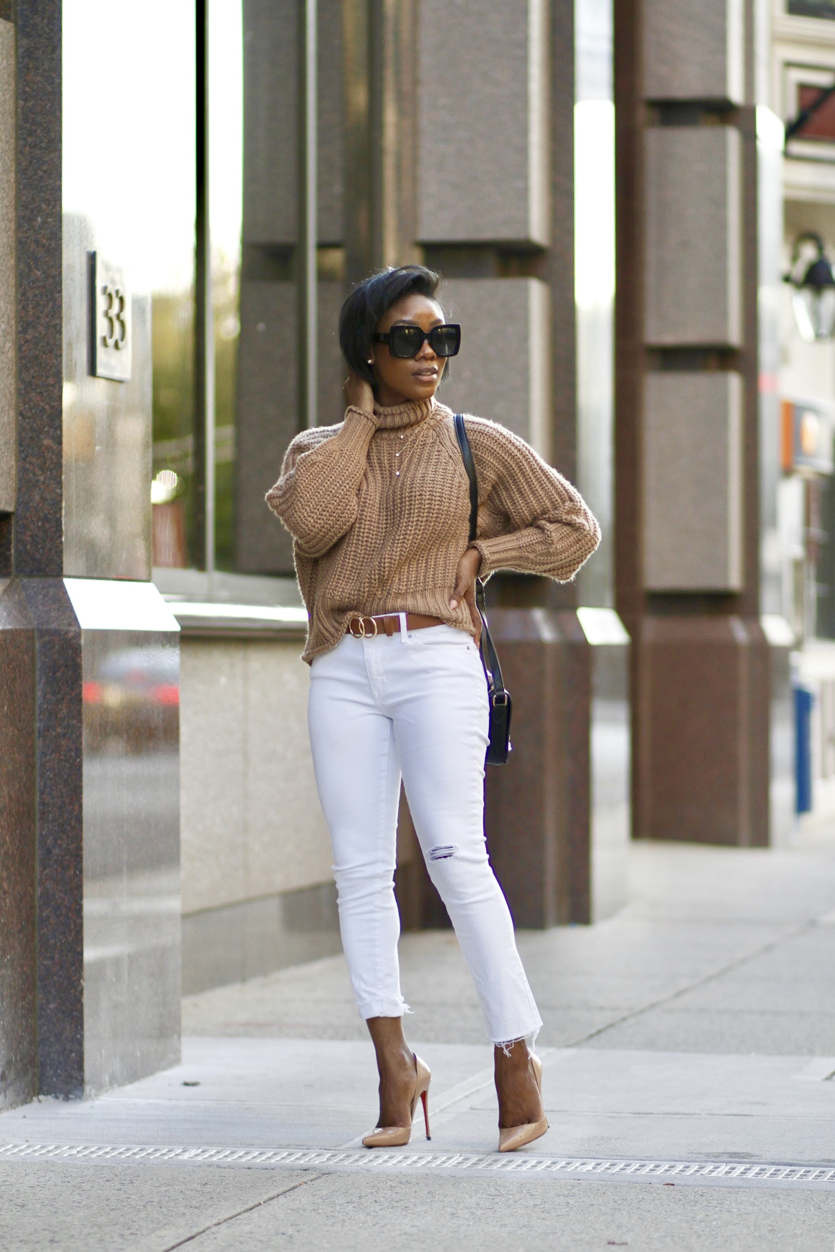 how to wear white jeans after labor day. 4 great ways to stye wear winter whie.