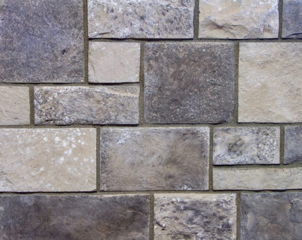 Stonehenge-in-Euro-Cobble