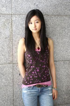 BECK (Live Action) [2010] - Maho (นำแสดงโดย Kutsuna Shiori) น้องสาวของ ริวสุเกะ