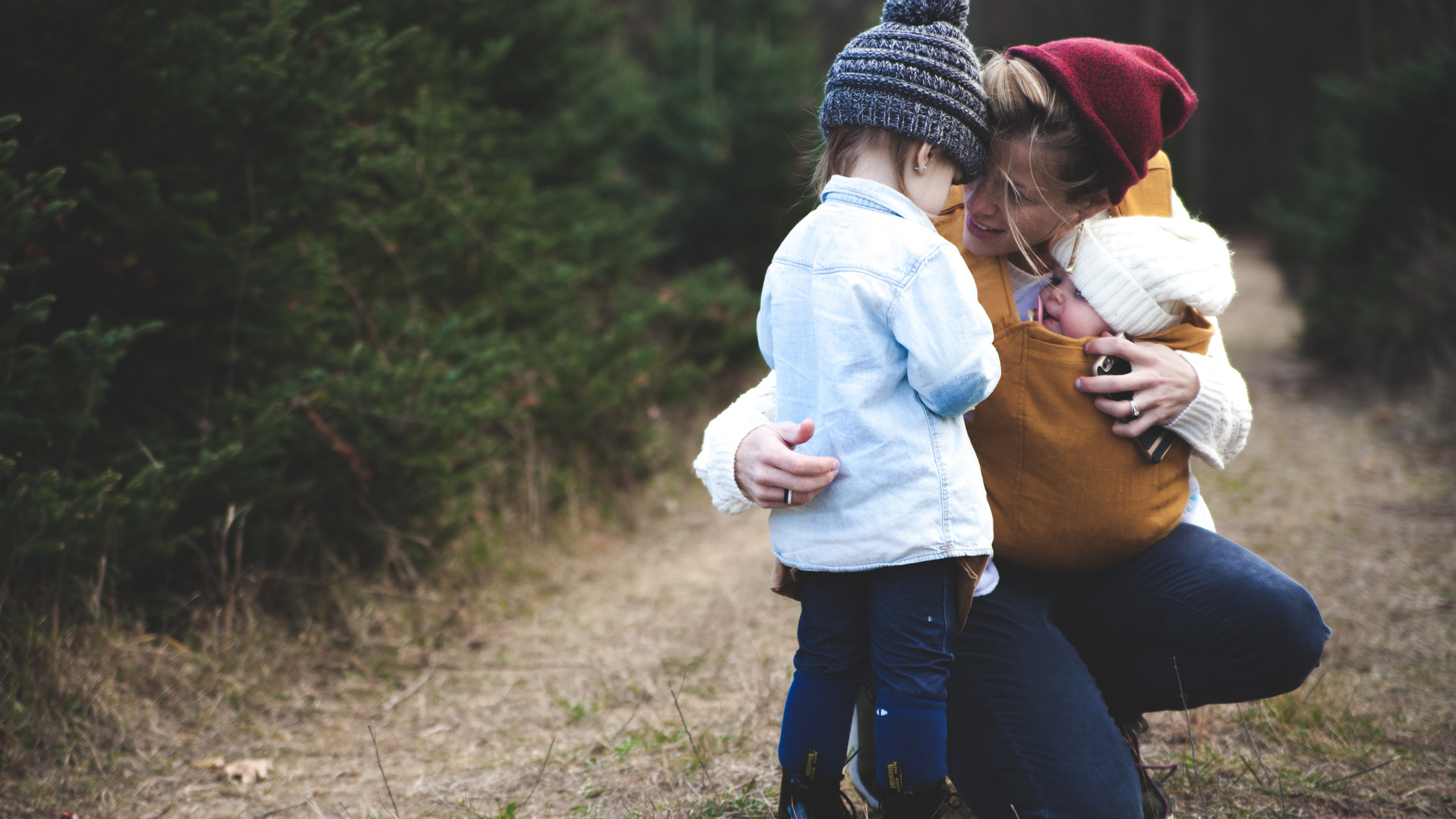 You are currently viewing 11 Strategies For Raising Happy and Successful Kids