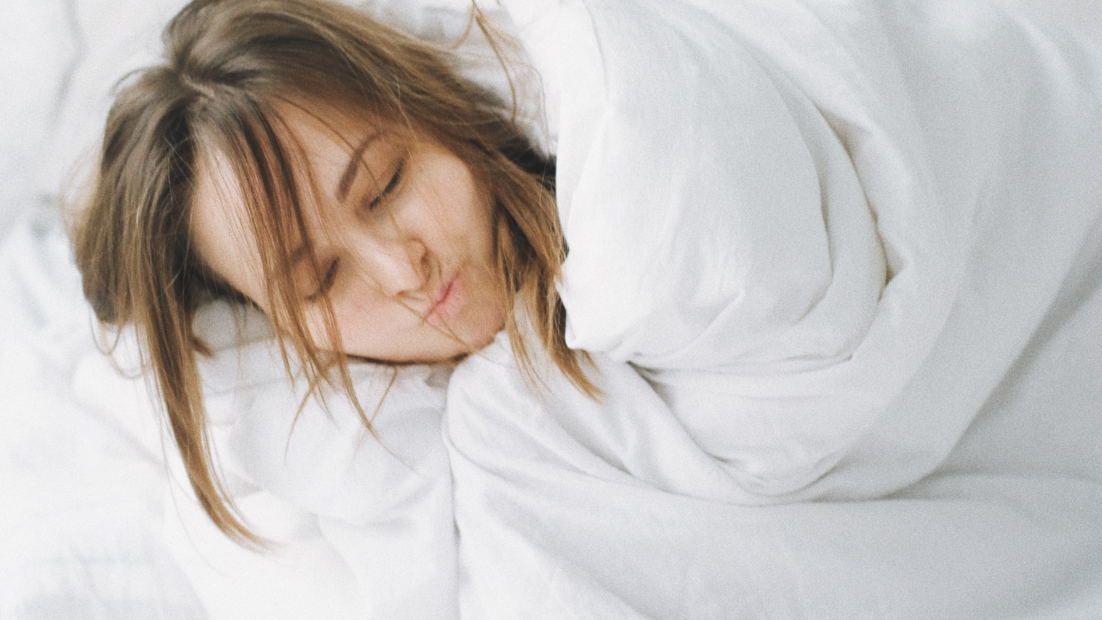 Read more about the article 7 Ways A Weighted Blanket Can Help With Anxiety and Sleep