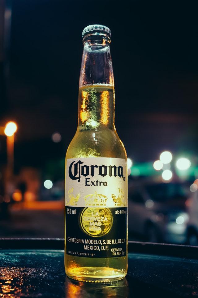 corona-extra-beer-bottle-2286972