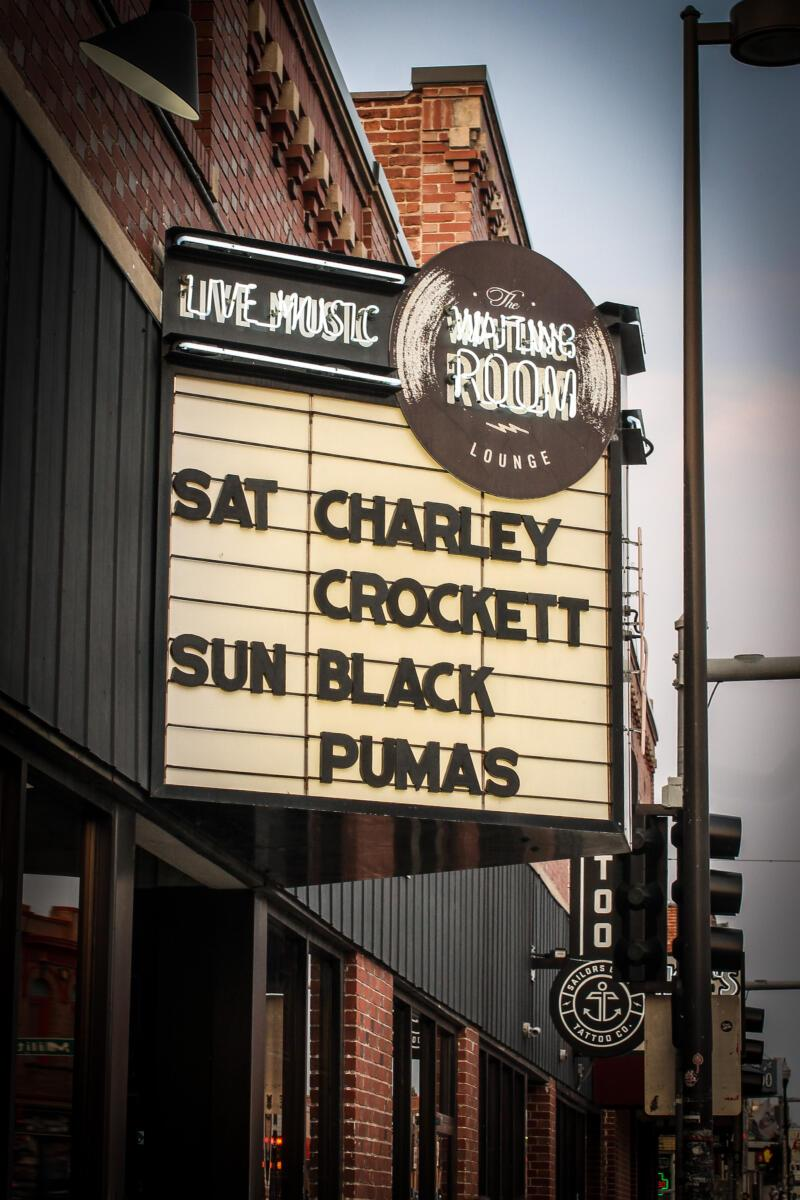The Waiting Room's marquee displays the night's entertainment: Black Pumas.