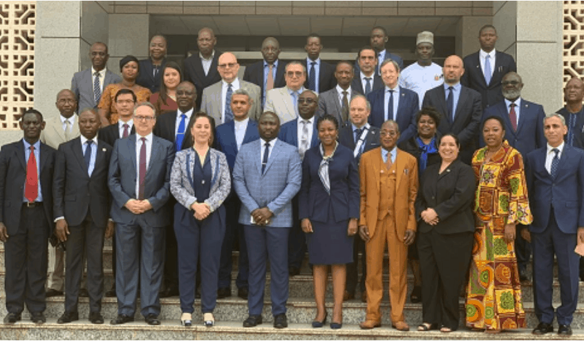 minister meets diplomatic community