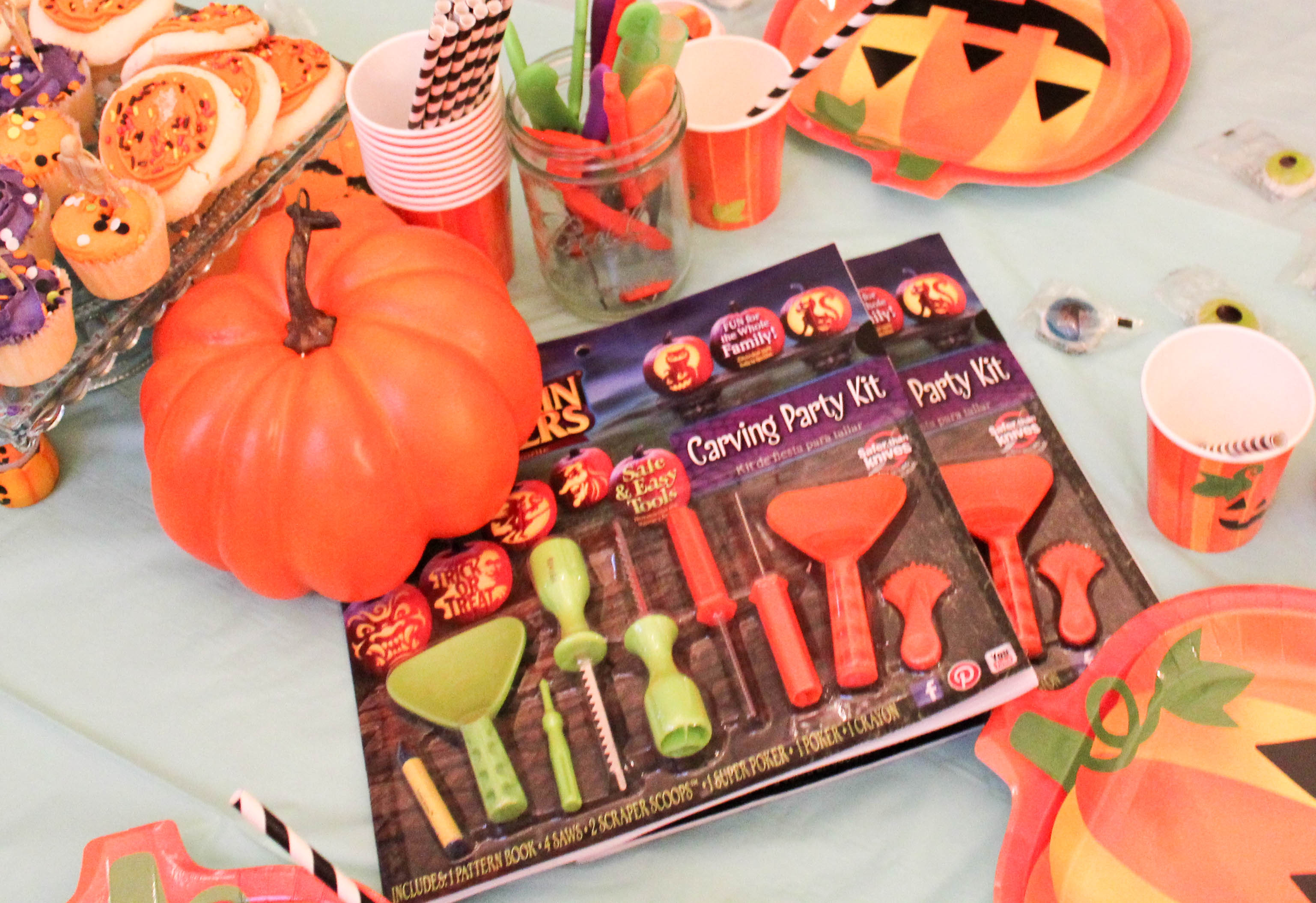 pumpkin-carving-party-costumes-kids-halloween-33-copy