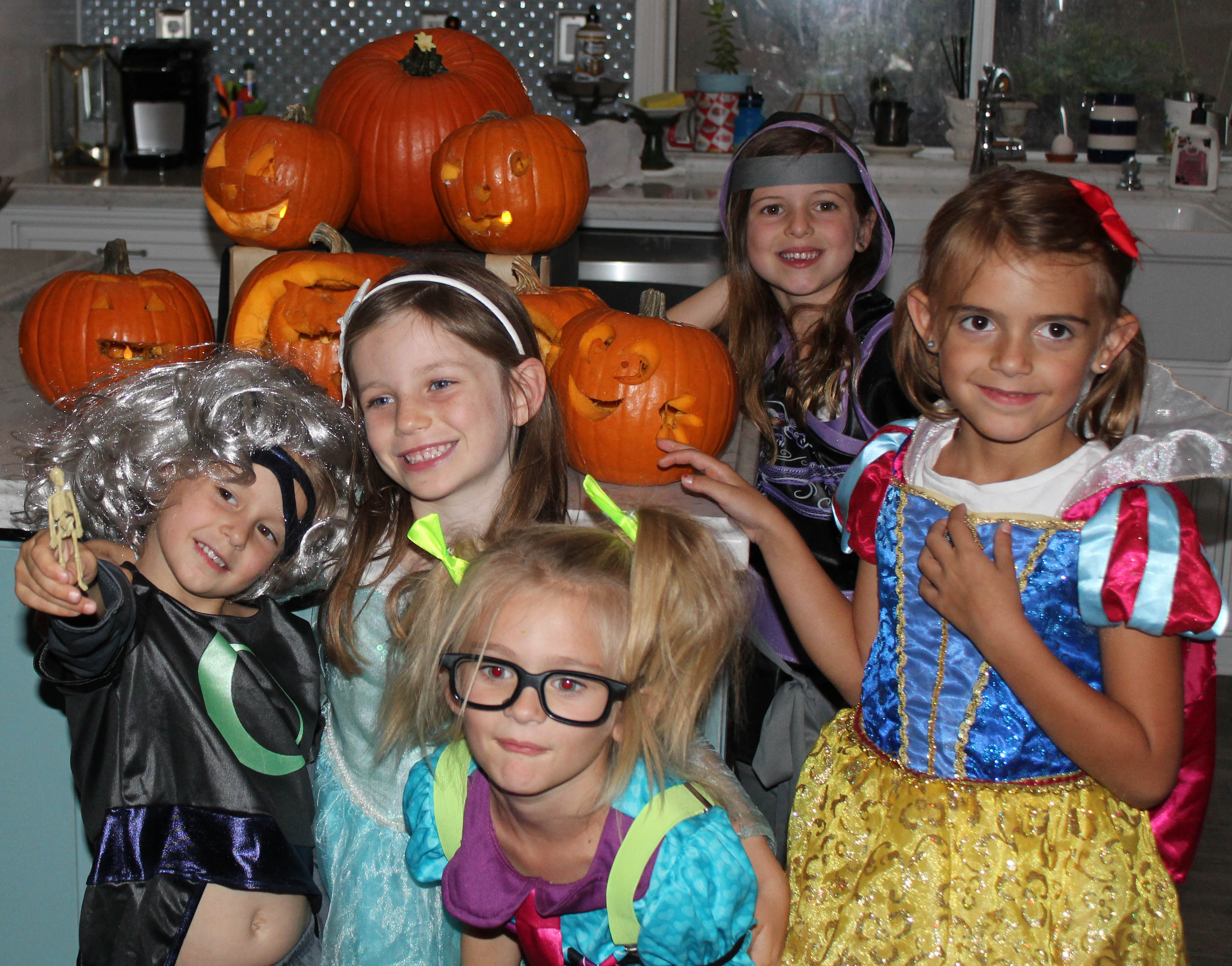 pumpkin-carving-party-costumes-kids-halloween-61-copy